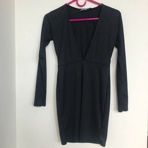 Black V neck Motel dress